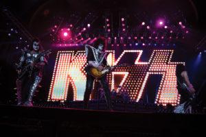kiss-july-19-2012-boomer
