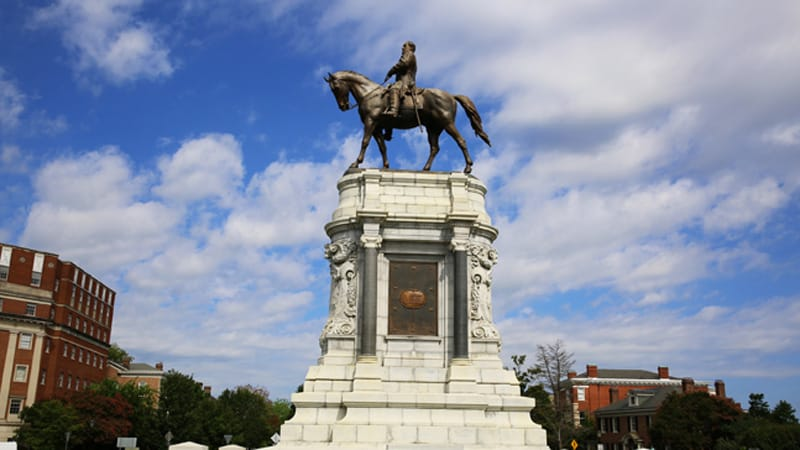 Robert E. Lee Confederate Statue Image