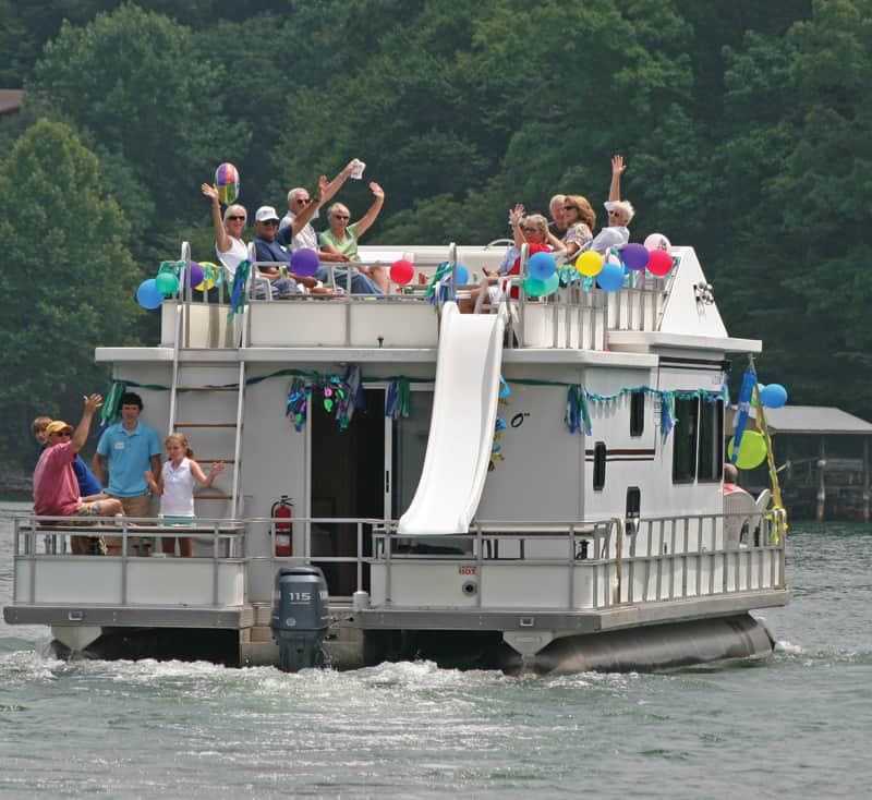 Houseboat party | Photography courtesy of Visit Smith Mountain Lake