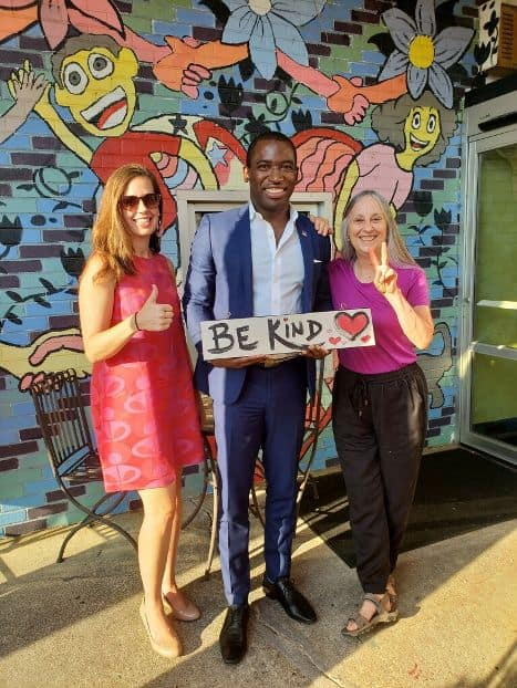 7.19.18 - Gave a sign to the Mayor of Richmond, Levar Stoney