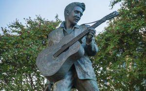 Elvis Presley Statue in Memphis Image