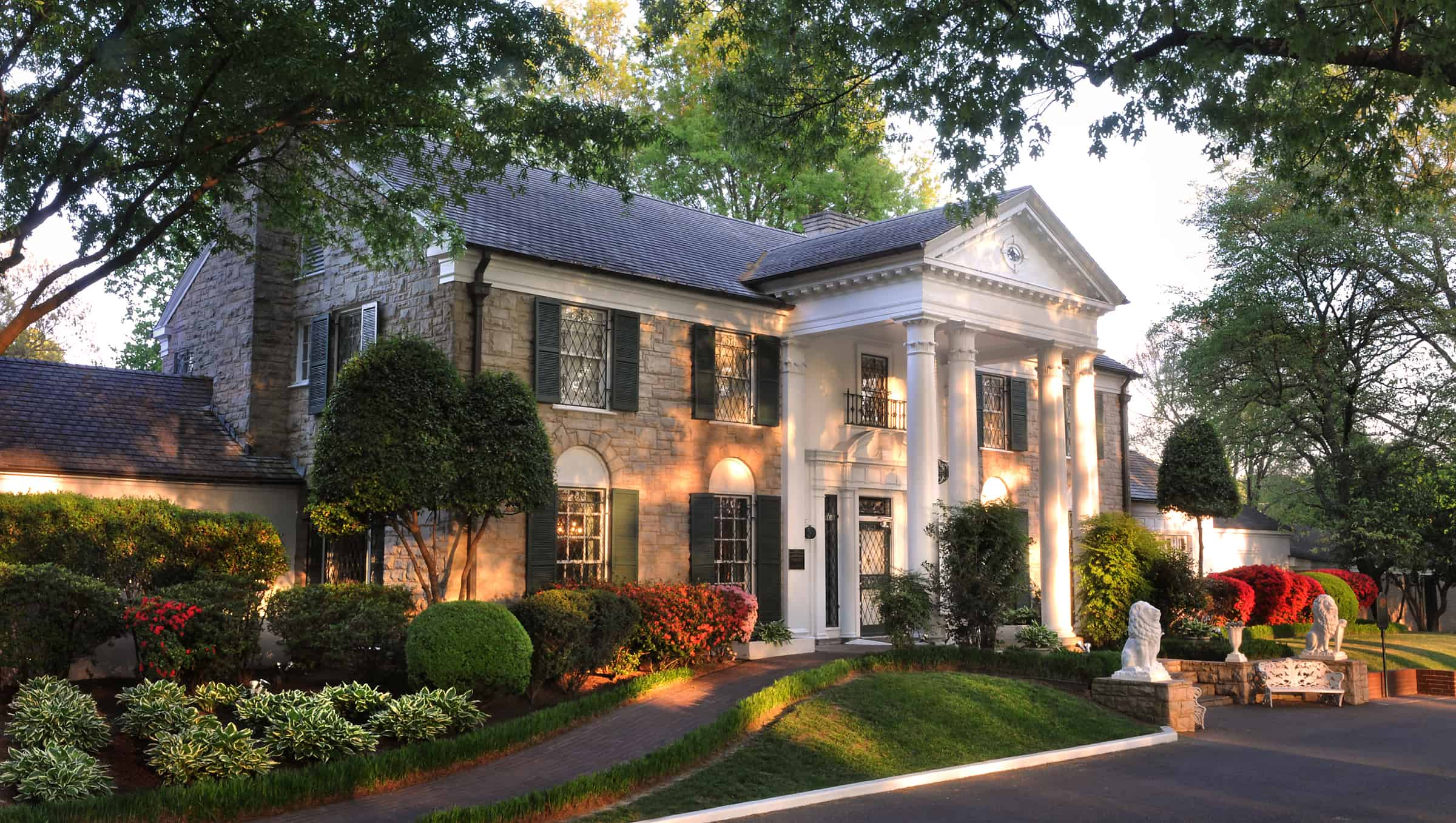 Elvis' Graceland Mansion | Photo courtesy of Elvis Presley Enterprises