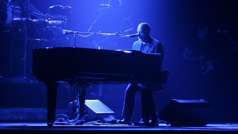 Billy Joel tribute by the Stranger at Richmond's Tin Pan Image