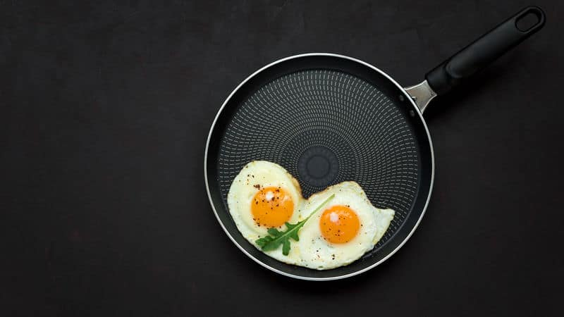 Pan of health benefits of eggs Image