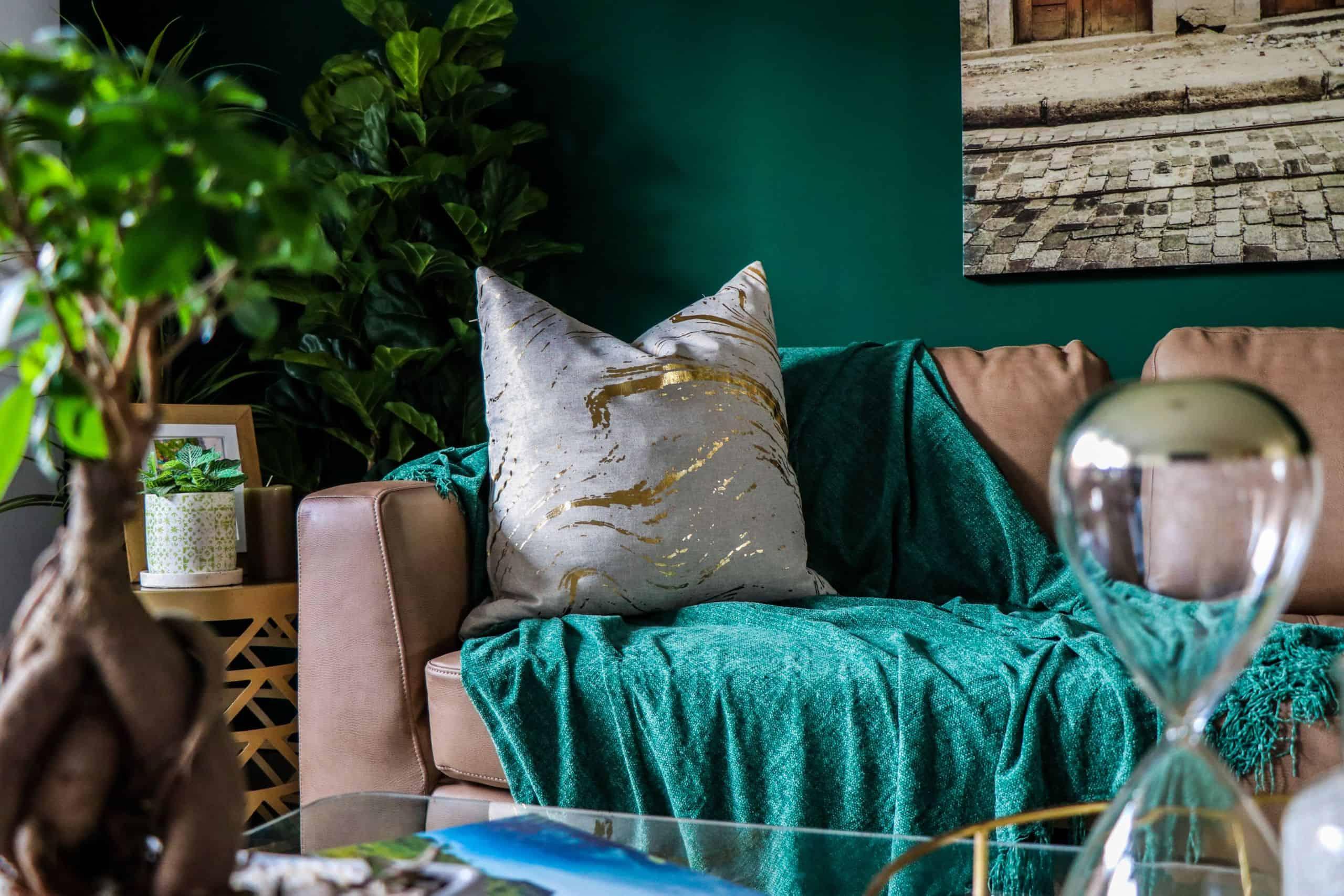 Emerald living room decor