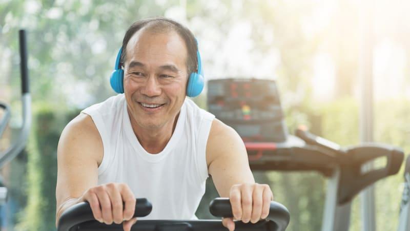 Asian man's exercise regimen for aging, aekkarak Thongjiew Image