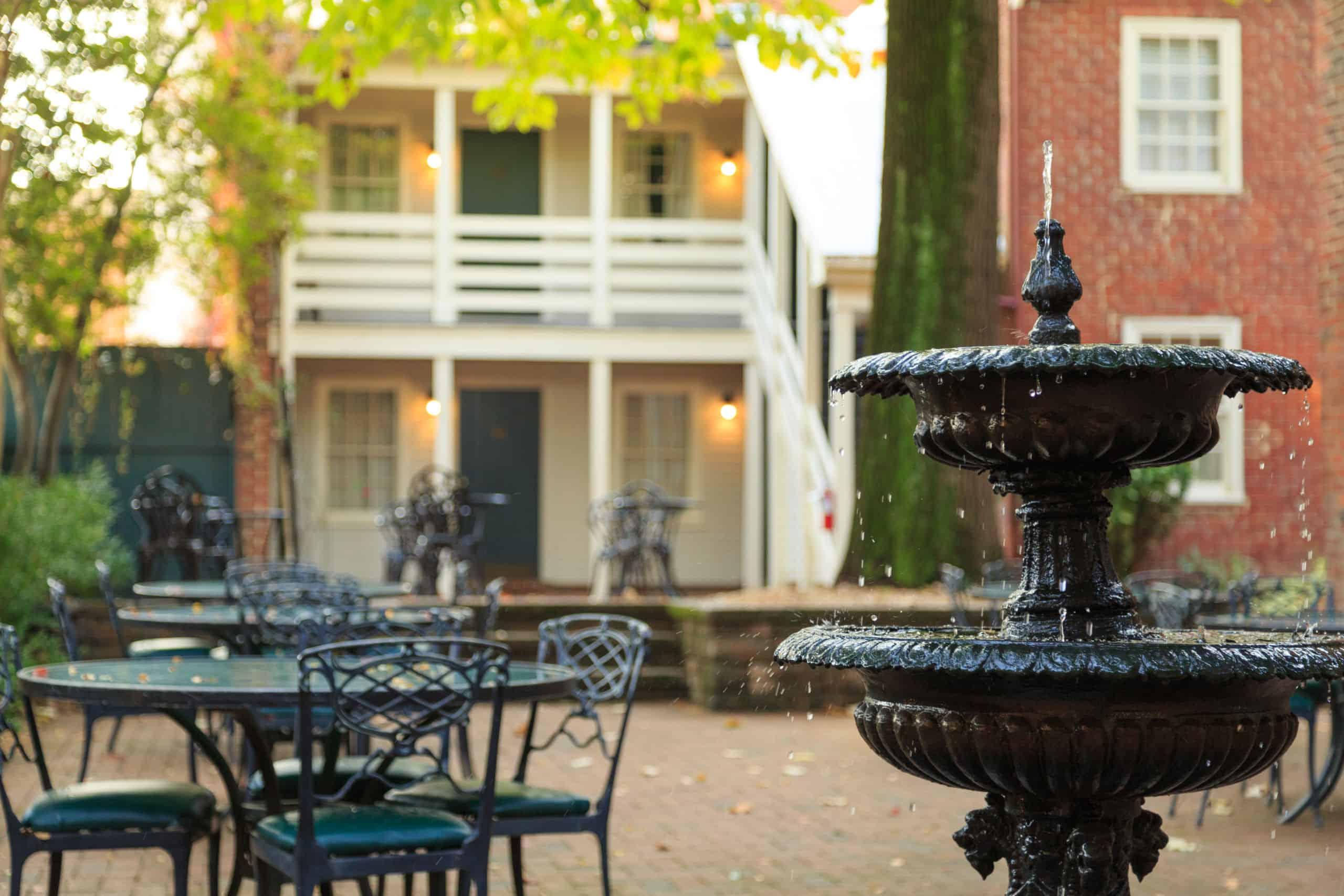 Courtyard at Linden Row Inn