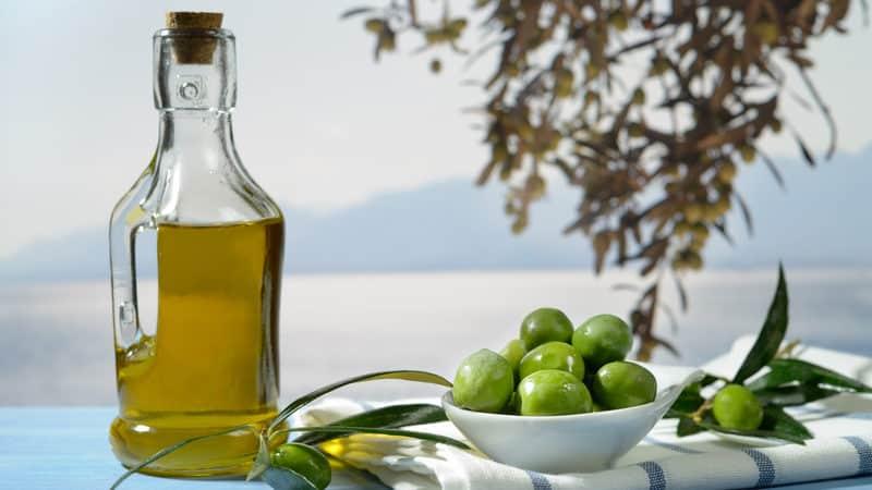 Olive oil vs coconut oil Image