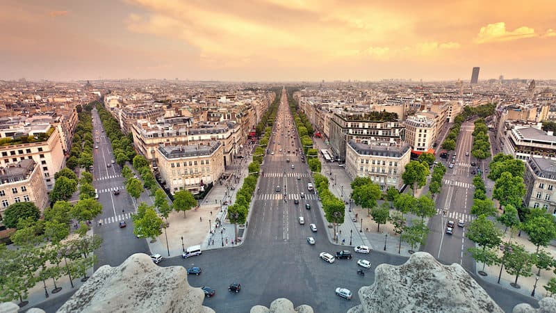 stroll down the champs-elysses Image