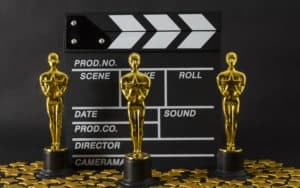 Oscar award lookalike statues, for Soderbergh justifies the 2021 Oscars Image
