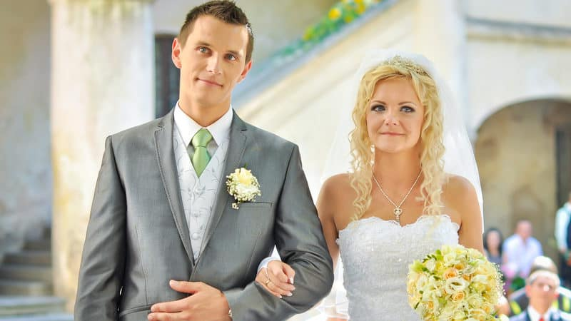 Unvaccinated bride and groom Image